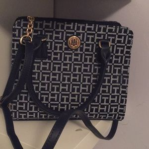 New without tags tomy hilfiguer purse navy blue